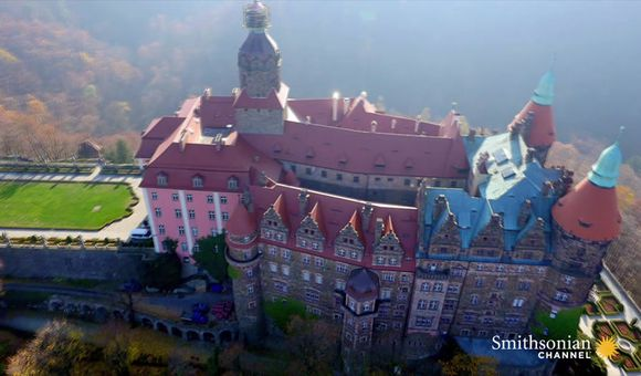 Preview thumbnail for video'Did Nazis Hide Loot Beneath This Giant Polish Castle?