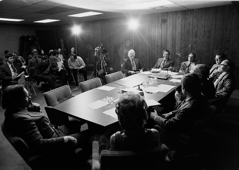 Meeting-of-the-Minnesota-Experimental-City-Authority---courtesty-MN-Historical-Society.jpg