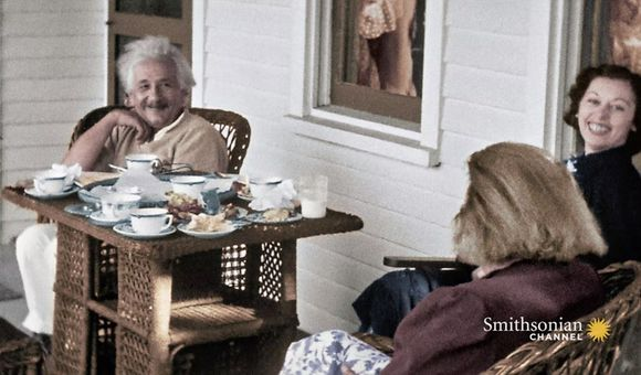 Preview thumbnail for video'Einstein's Life in America Shown in Stunning Home Movies