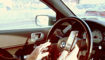 New RFID Device Could Jam Your Cell Phone While Your Car is Moving