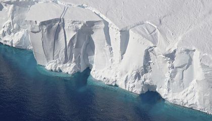 Image: Antarctica is losing ice 6 times faster today than in 1980s
