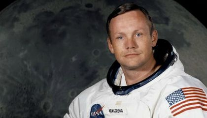 Neil Armstrong, the First Man to Walk on the Moon, Dies at 82