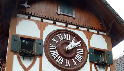 The Bird in the World's Largest Cuckoo Clock Weighs 330 Pounds