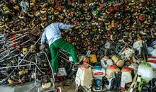 From Skinning Coconuts to Tire Recycling, This Photographer Captures Vietnam at Work