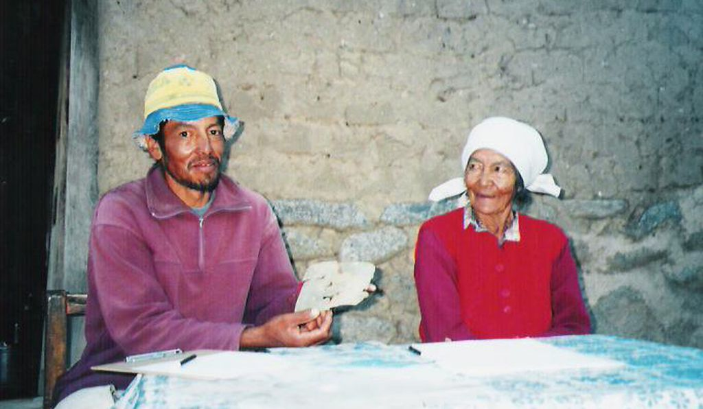 Genaro Chaile and Cecilia Marcial, dwellers of La Quebrada locality who donated the mask
