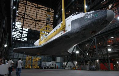 shuttle-hangar-388-sept06.jpg