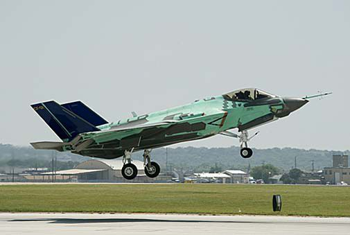 F-35C first flight-505.jpg