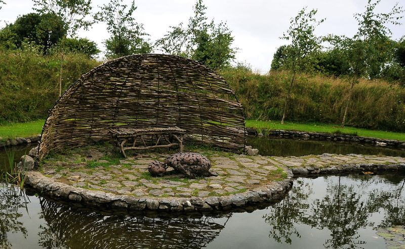 Take a closer look at mary reynolds s innovative celtic for Celtic garden designs
