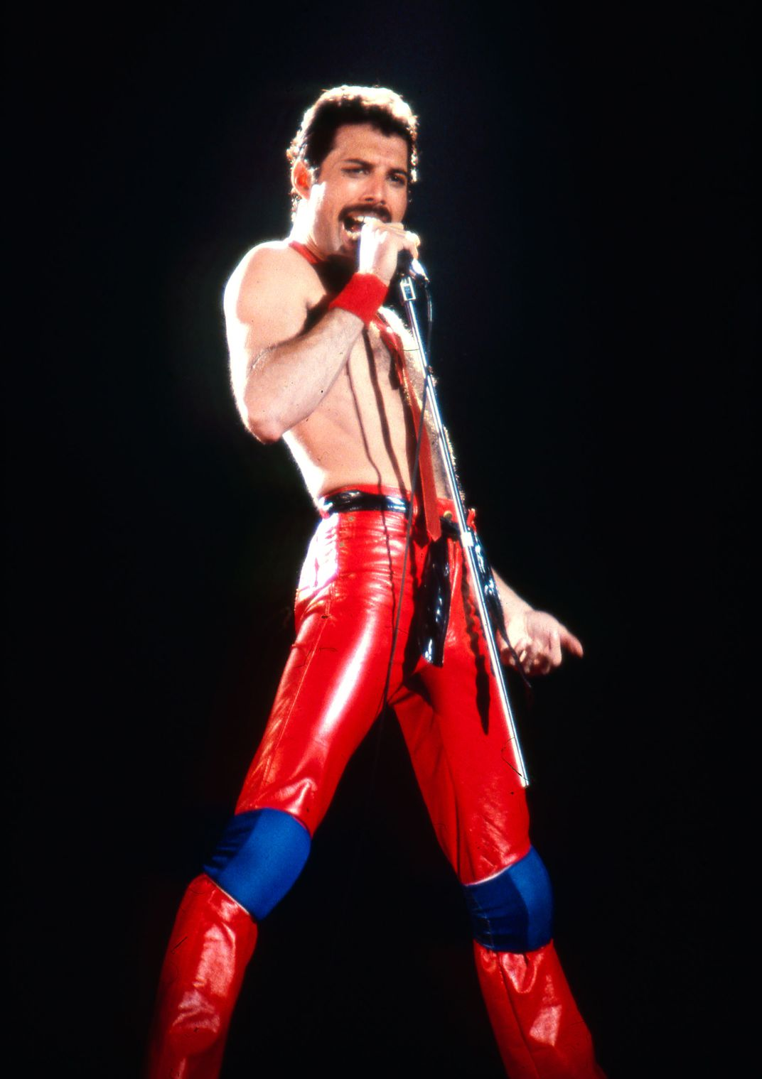 photos of freddie mercury and the true bohemi arts culture smithsonian magazine photos of freddie mercury and the true