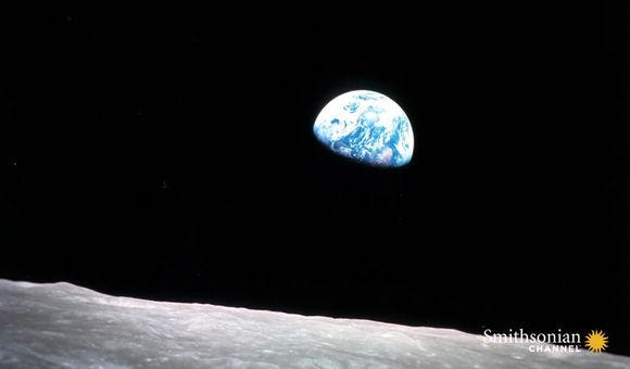 Preview thumbnail for video'This Apollo 8 Astronaut Took the Famous 'Earthrise' Photo
