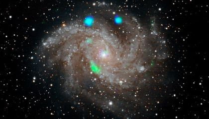 Astronomers Puzzle Over Short-Lived Glowing Green Light