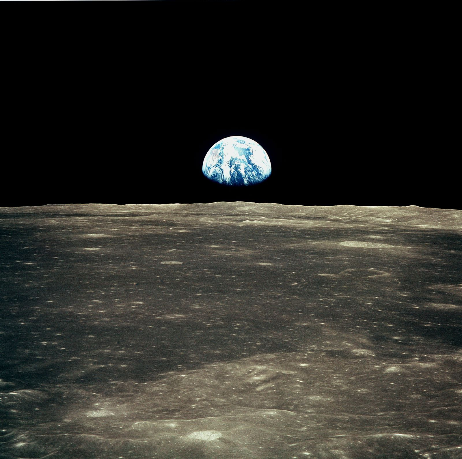The Many Colors of the Moon (and Earth) | Daily Planet | Air & Space
