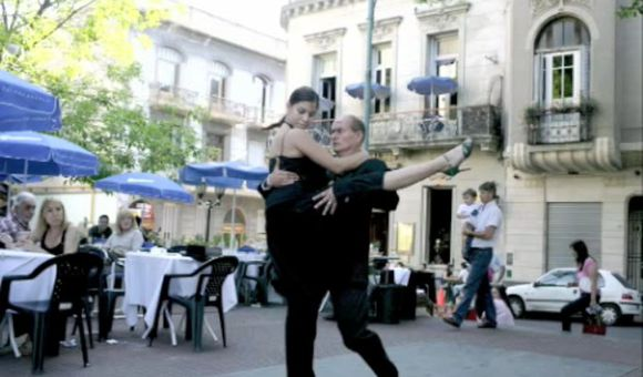 Preview thumbnail for video'The Historic Neighborhoods of Buenos Aires