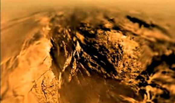 Preview thumbnail for video'Landing on Titan