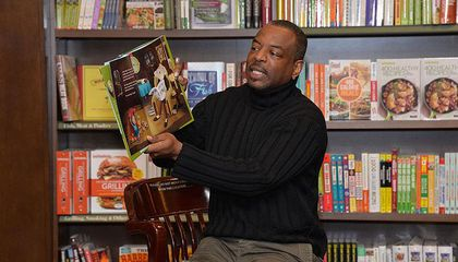 LeVar Burton Reads Stories on Twitter and Other Livestream Learning Opportunities This Week