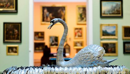 This Robotic Silver Swan Has Fascinated Fans for Nearly 250 Years