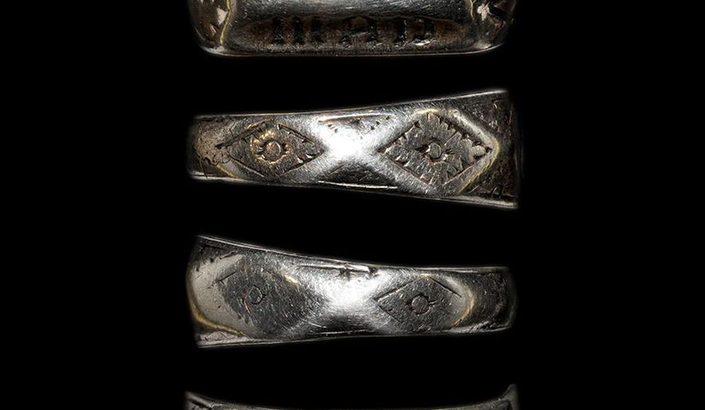 View of Joan of Arc's alleged ring