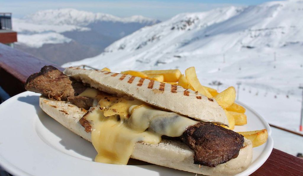 A sandwich at the Bajo Zero restaurant in Valle Nevado.