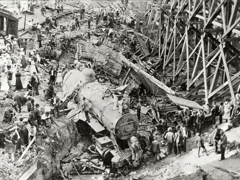 Hammond_Circus_Train_Wreck_1918.jpg