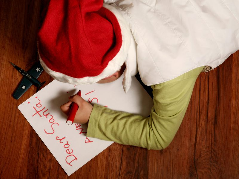 writing santa a letter