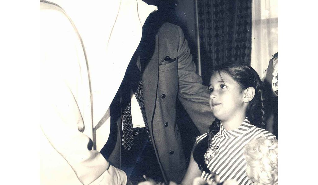 """Reem El Mutwalli is welcomed to Abu Dhabi in 1968 by its ruler, Sheikh Zayed bin Sultan Al Nahyan (1918-2004), who would go on to found the United Arab Emirates. Reem remembers him coming forward, """"like a falcon, white robes flowing in the wind."""""""
