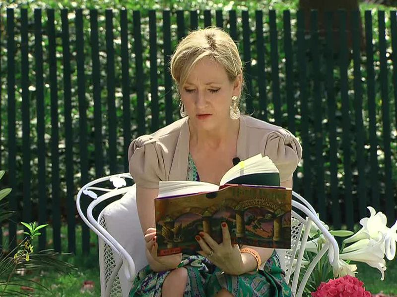 J._K._Rowling_at_the_White_House_2010-04-05_9.jpg