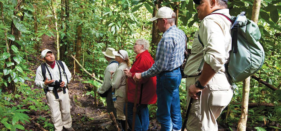 Exploring the Pacaya-Samiria Reserve with an expert tour guide