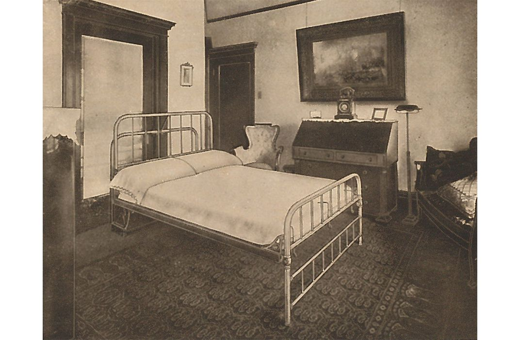 Curator finds murphy bed 39 s place in american history at for Murphy beds san francisco
