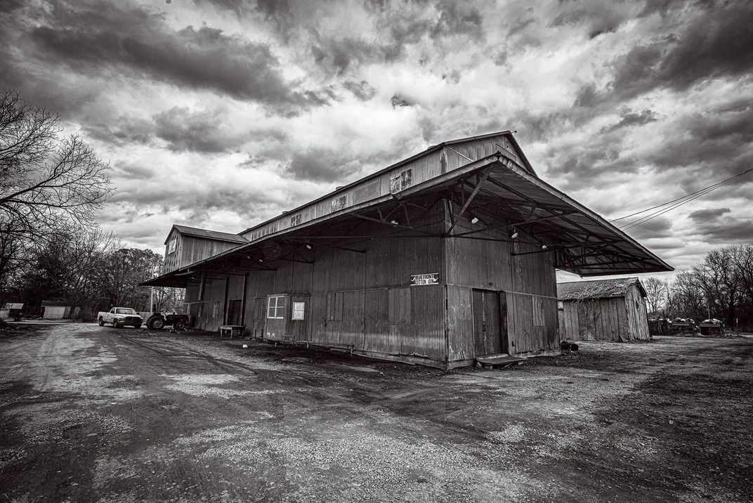 Abandoned cotton gin