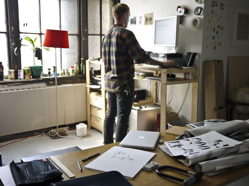 Five Health Benefits Of Standing Desks Science Smithsonian
