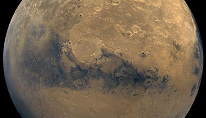 Mars' Super-Thin Atmosphere May Mean that Flowing Water Was the Exception, Not the Rule