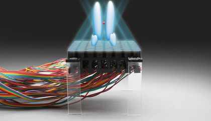 This Acoustic Tractor Beam Can Levitate Small Objects With Sound