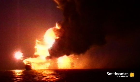 Preview thumbnail for video'Choosing Between Deadly Options on a Fiery Oil Rig