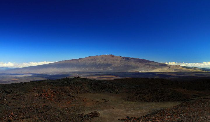 Mauna Kea's Quakes Might Be Caused by Shifting Gas