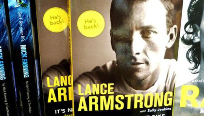 Readers Who Bought Lance Armstrong's Book Want Their Money Back
