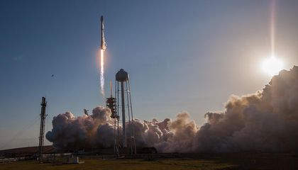 Watch SpaceX's Recycled Rocket Stick Its Landing