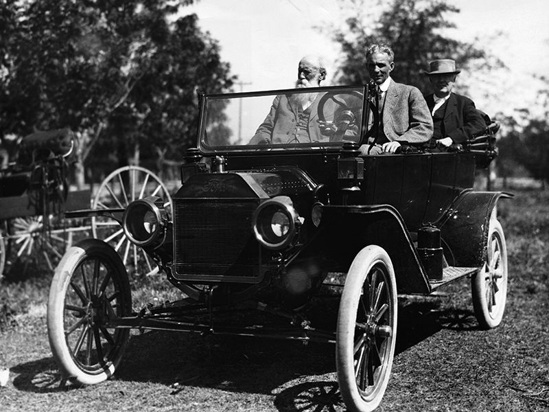 Thomas Edison Henry Ford And Their Friends Traveled The Country In Model Ts Creating Great American Road Trip Process