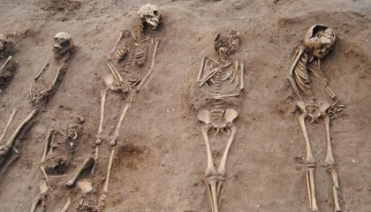 English Mass Grave Sheds New Light on the Horrors of the Black Death