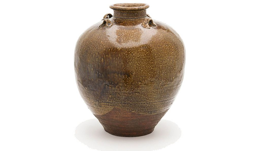 A tea-leaf storage jar named Chigusa from China, and dating from about 1350 to 1450.