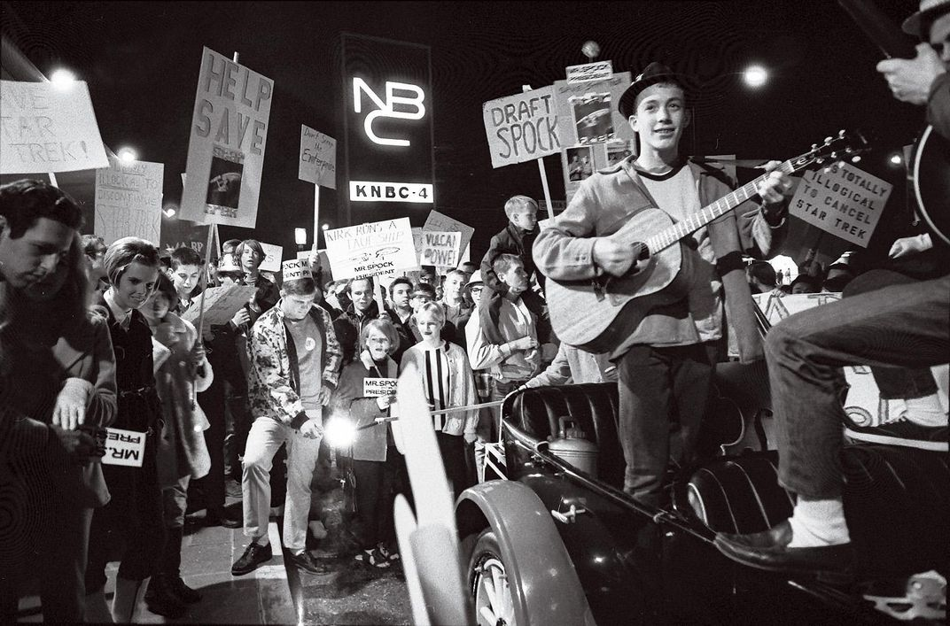 young people with Star-Trek-related protest songs