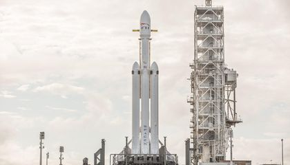 Watch SpaceX's Successful Launch of Their Falcon Heavy Rocket