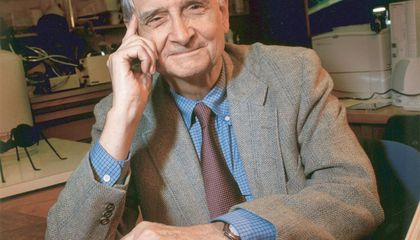 E.O. Wilson Urges Tomorrow's Scientists to Seek Earth's Undiscovered Riches