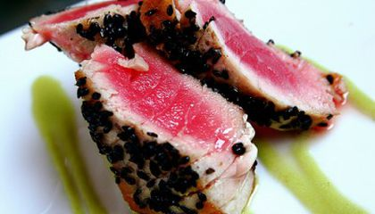 """Food in the News: When """"Green"""" Is Gray, and Pork from Petri Dishes"""