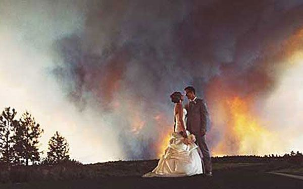 Wildfire creates a once-in-a-lifetime wedding photo