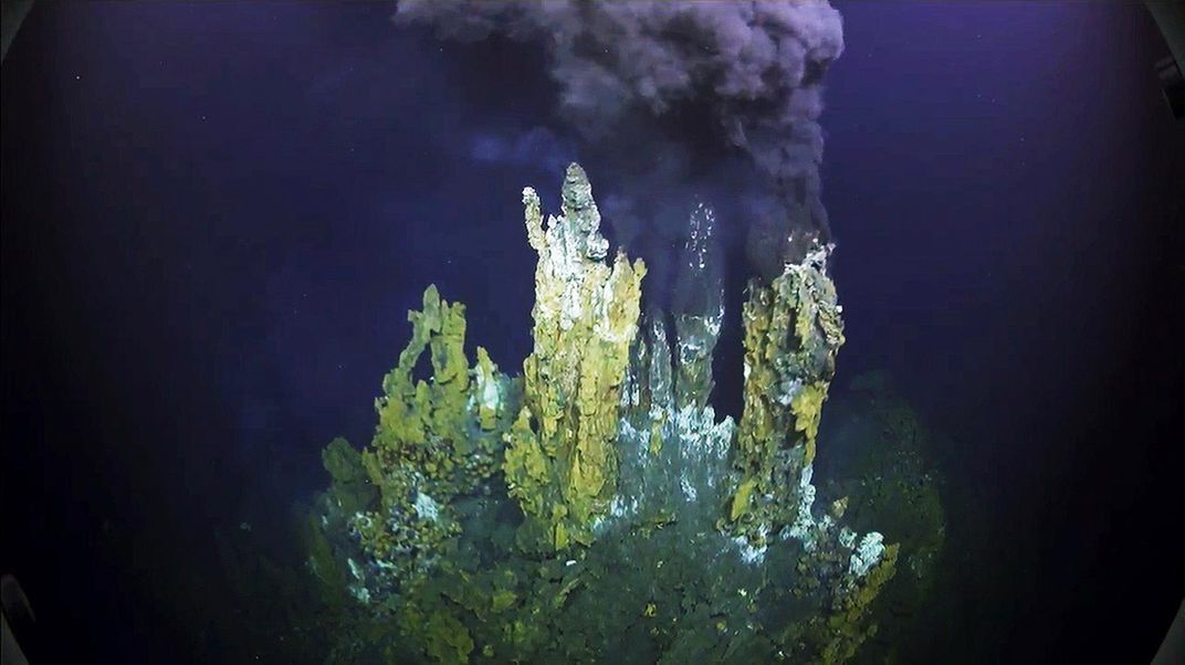 Scientists Explore Breathtaking Hydrothermal Vents in Virtual ...