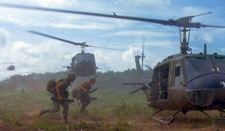 Vietnam Memoir: The War That Shaped a Generation
