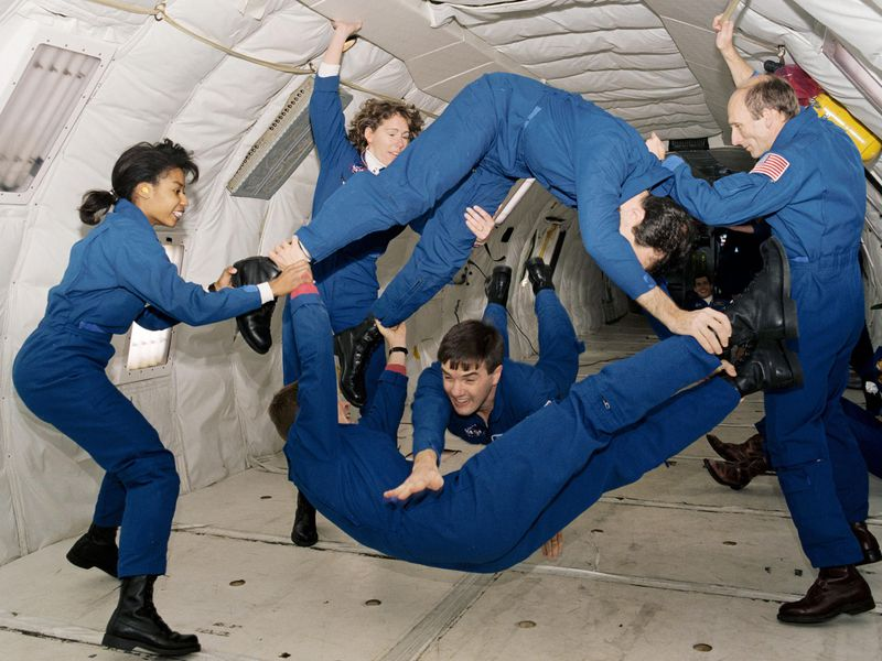 astronauts in space weightless - photo #18