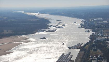 Prolonged Drought Could Shut Down Shipping on the Mighty Mississippi