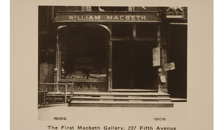 Macbeth Gallery, ca. 1896 / unidentified photographer. Macbeth Gallery records, 1838-1968, bulk 1892-1953. Archives of American Art, Smithsonian Institution.