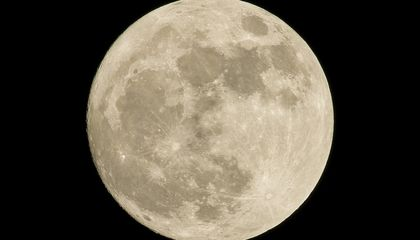 The Moon Has More Water and Ice Hidden All Over Its Surface Than Originally Predicted